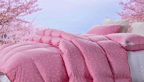 粉色羽绒被加工