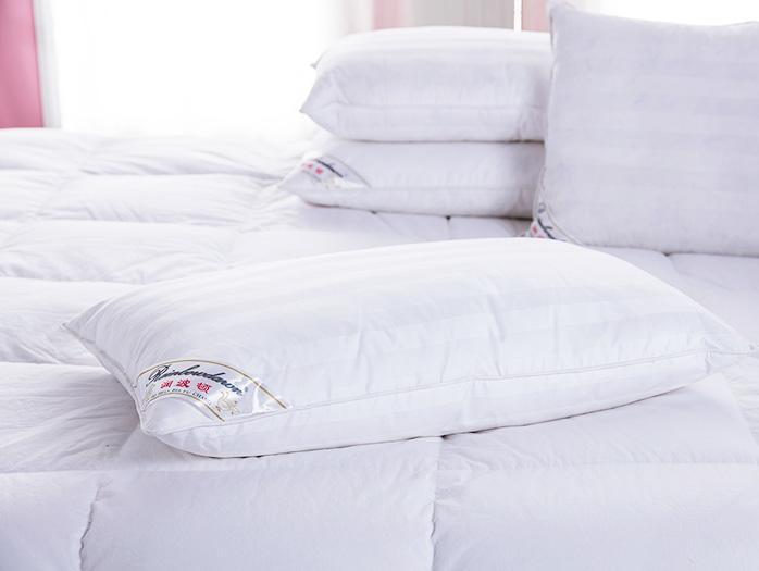 紫檀香酒店羽绒枕头定制案例